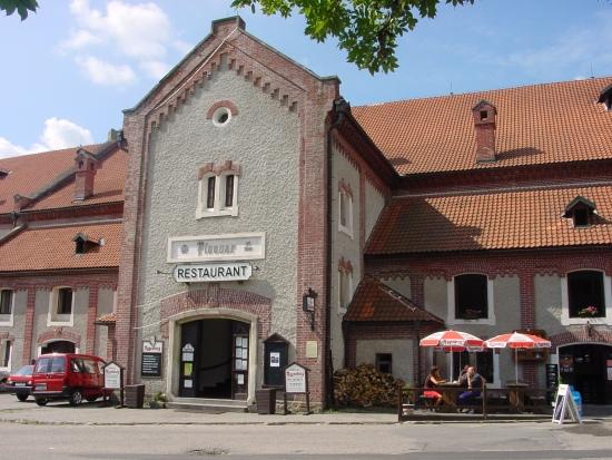 entrada histórica da cervejaria Eggenberg na cidade medieval de Cesky Krumlov na República Tcheca