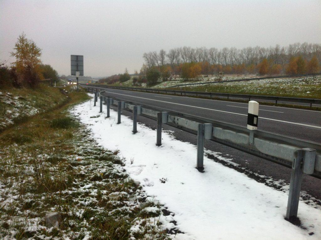 Estrada entre Praga e Berlim branquinha de neve
