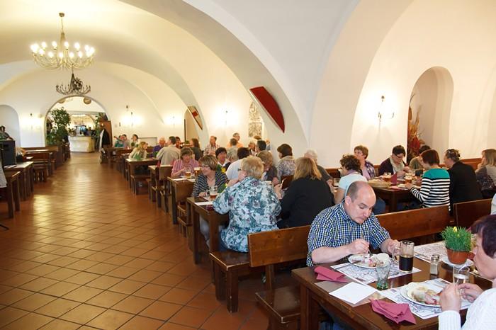 Ambiente do restaurante tcheco Velká klášterní