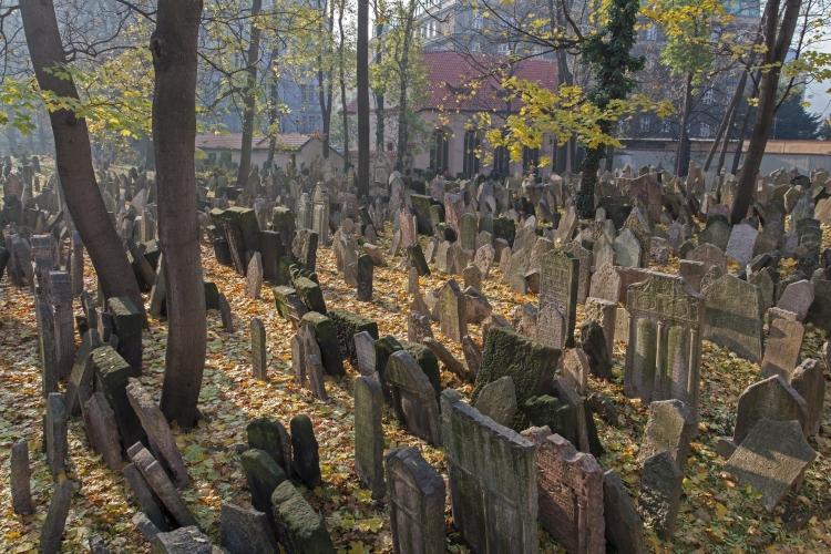 Lápides do Velho Cemitério Judeu de Praga, República Tcheca