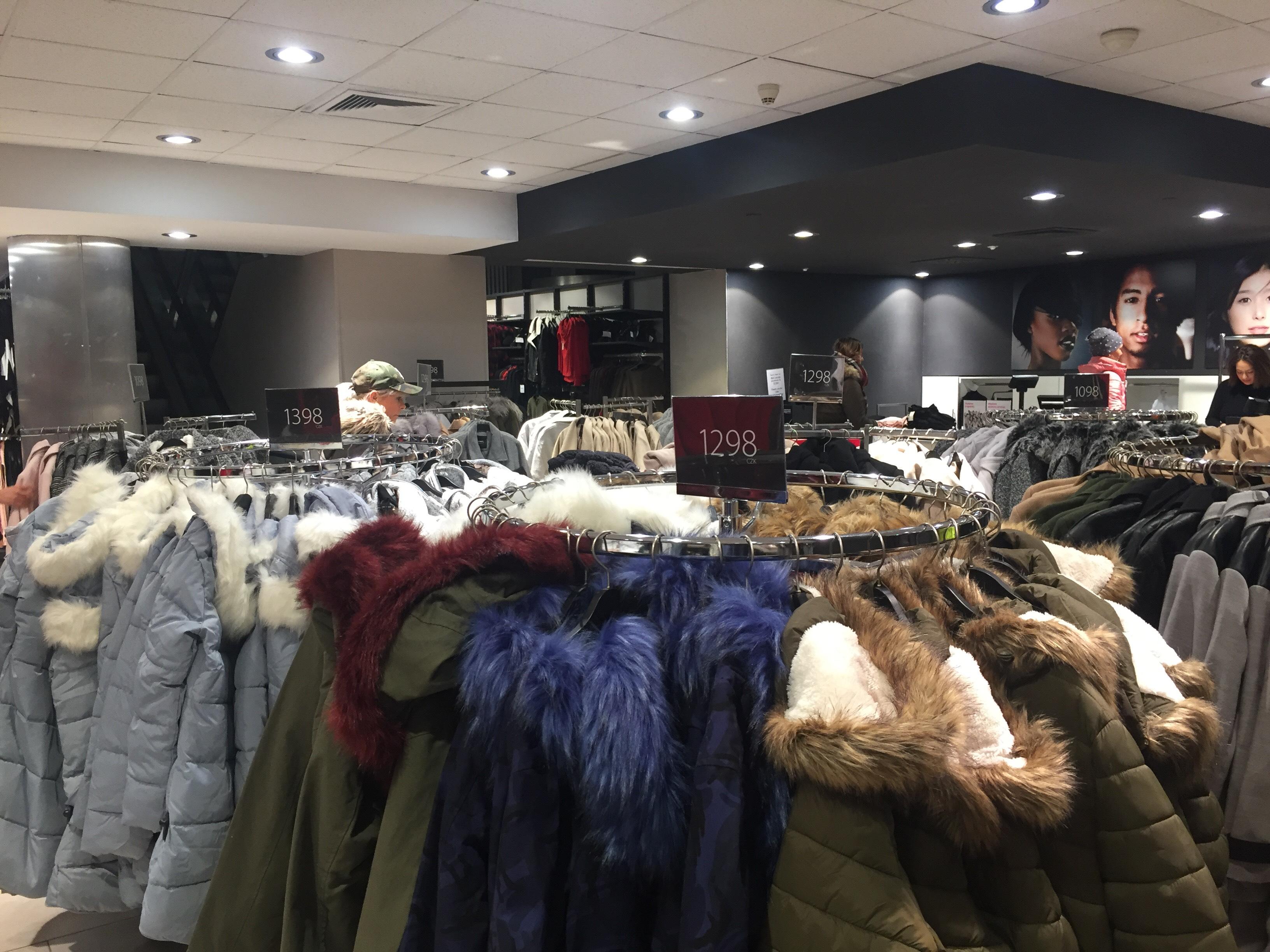79e37a59e6 Como se vestir e onde comprar roupas para o inverno em Praga
